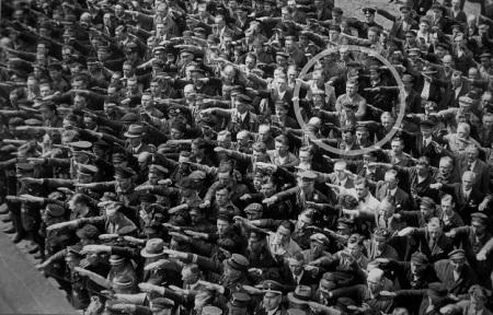 Ser Diferent (01 - Front al Conductisme de Masses)